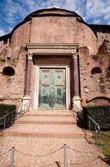 Fototapete - Romulo Temple at Foro Romano - Roma - Italy