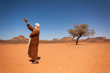 Foto op Aluminium Algerije Tuareg in the desert