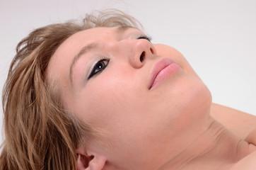 erotische frau beim entspannen