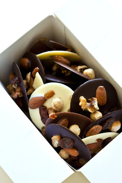 Chocolat, mendiant, confiserie, sucre, amandes, Noël