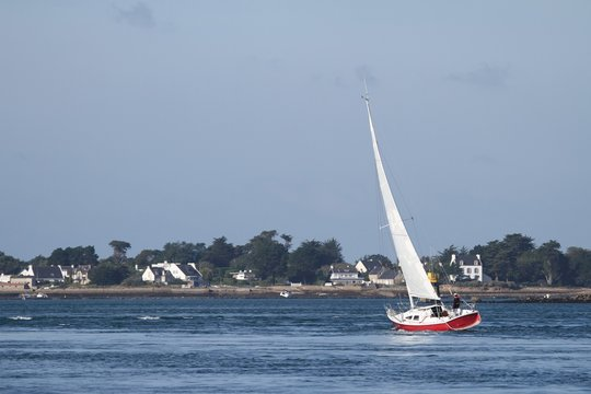 navigation à la voile dans le golfe du morbihan,bretagne