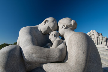 Vigeland park statues family