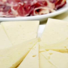 spanish manchego cheese and serrano ham