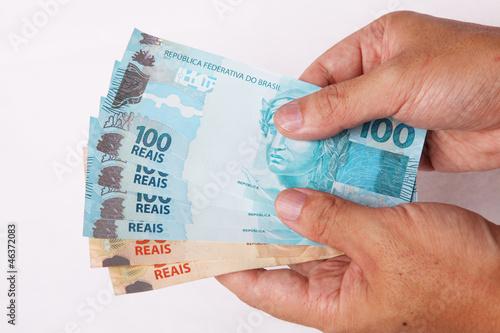 Resultado de imagem para fotos dinheiro na mao
