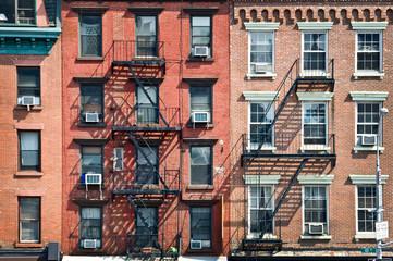 Fototapete - Façade avec escalier de secours - New York
