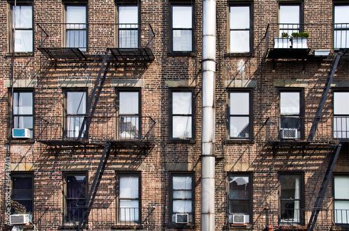 Wall mural Façade avec escalier de secours - New York