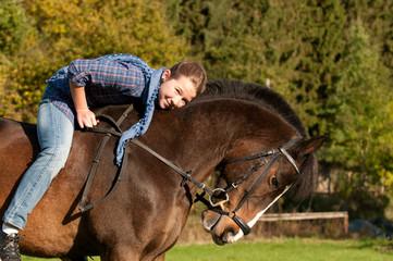 Kind und Pferd, reiten, outdoor