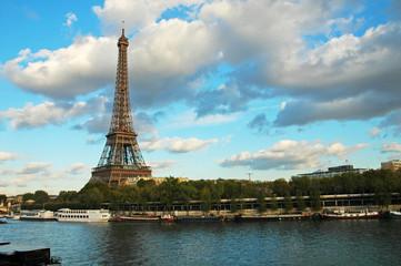 Vista della Tour Eiffel e della Senna, Parigi, Francia