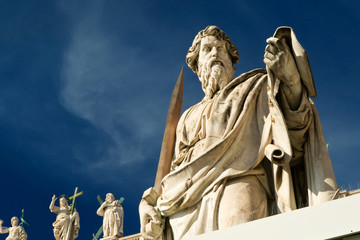 Fototapete - Statue of Apostle Paul in front of the Basilica of St. Peter, Va