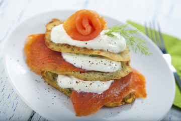 Savoury pancake with salmon and yoghurt