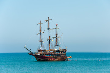 Türaufkleber Schiff Pleasure boat the Mediterranean Sea
