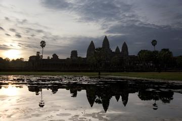 panoramic view of angkor wat