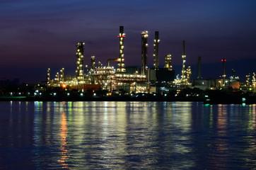 Night scene of Oil refinery