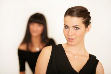 Elegante Frauen bei einem Event
