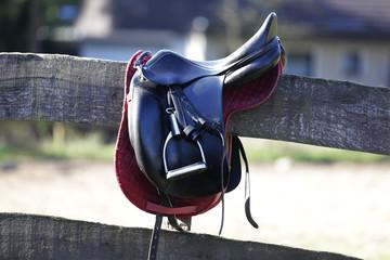 Foto op Textielframe Paardrijden sattel,steigbügel,reitstall
