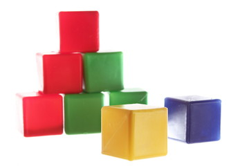 Yellow cube is the leader