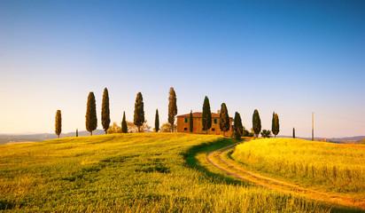 Wall Mural - Paesaggio Toscano, villa con cipressi