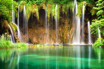 Obraz Beautiful waterfalls at Plitvice Lakes National Park - fototapety do salonu