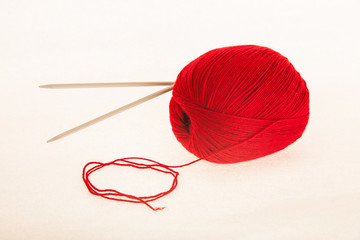 Knitting yarn with needles