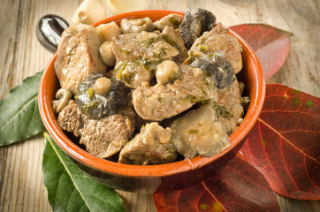 Stufato di carne e funghi, beef and mushrooms stew