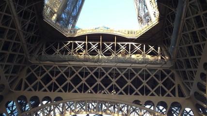 Fotomurales - La Tour Eiffel - Beautiful colors of Eiffel Tower in Paris