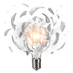 Explodierende Glühbirne vor weiss