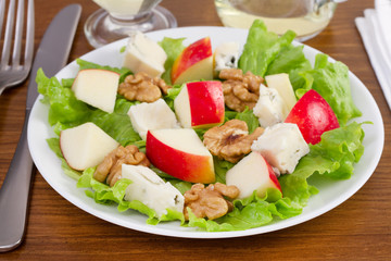salad of cheese gorgonzola with apple and walnut