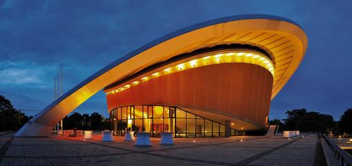 Berlin Kongresshalle am Abend