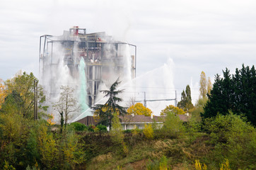 Controlled demolition with explosives, Pélissier power station