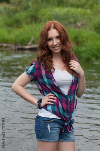Фото девушки в шортах селфи