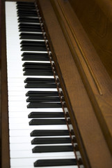 Diagonal view of piano keys