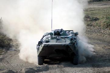 Российская бронетанковая техника в полевых условиях - БТР