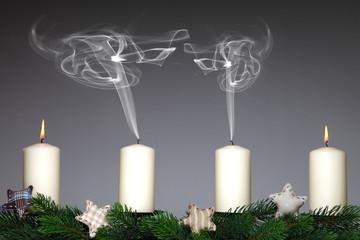 erloschene Kerzen  Qualm