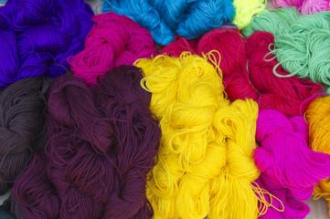 Strings of wool