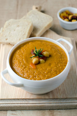Soup puree of chickpea and sundried tomatoes