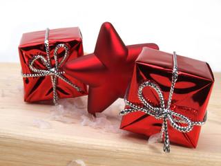 cadeaux, étoile rouge