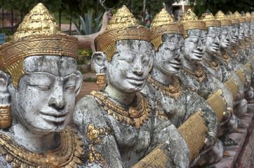 Camboya. Kompong Cham. Esculturas