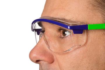 Mann - Arbeiter mit Schutzbrille - Arbeitsschutz