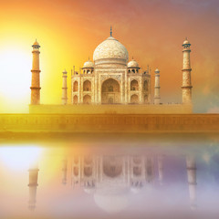 Fototapete - Taj Mahal India Sunset. Agra, Uttar Pradesh. Beautiful Palace wi