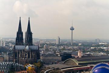 Kölner Dom, Hauptbahnhof von Köln