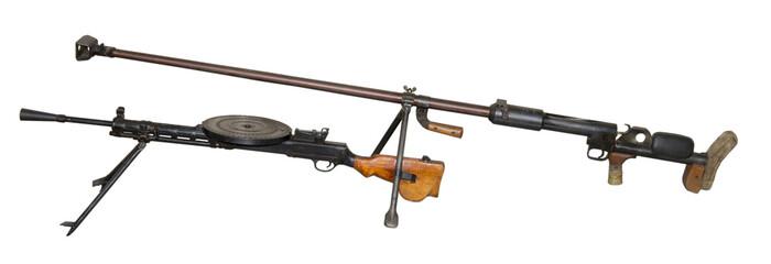 Anti-tank gun and Degtyaryov's machine gun