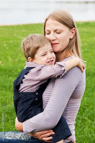 фото мамы кувыркаются с сыновьями