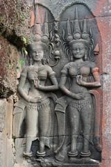 Déesses sculptées à Angkor Wat