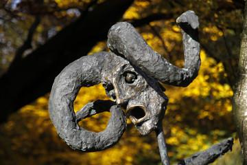 Bilder und videos suchen skulpturenpark wilfried koch for Koch rietberg