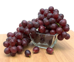 ripe grapes in a glass bowl close up