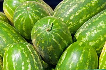 Wassermelonen gestapelt