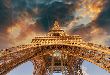 Fototapete - Beautiful view of Eiffel Tower in Paris with sunset colors