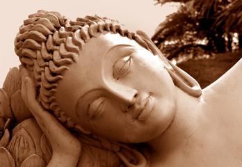 Kopf eines ruhenden Buddha, Südindien