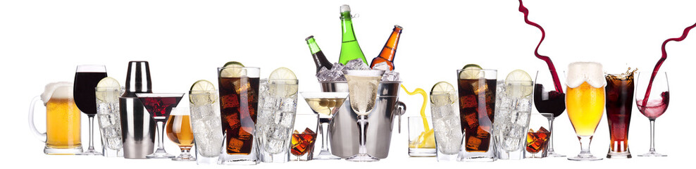Photo sur Plexiglas Bar different images of alcohol isolated