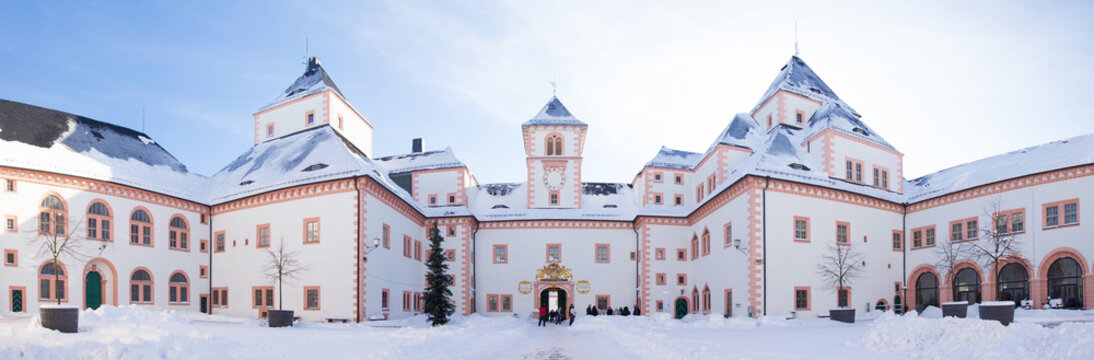 Schloss Augustusburg, Schlosshof, Panorama, Chemnitz